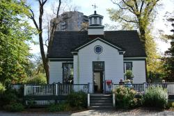 Front view of Coffee shop at Halifax Public Gardens.jpg