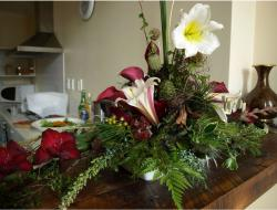 christmas flowers and arrangement.JPG