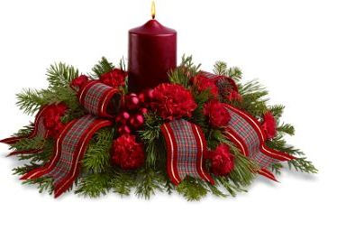 Red Christmas centerpiece with big red candle.JPG