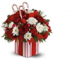 Candy Christmas flowers arrangement pictures.JPG