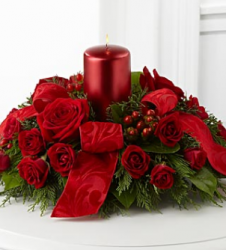 Season's Glow Centerpiece with big red candle.PNG