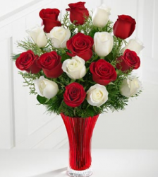 Holiday white Rose Bouquet picture.PNG