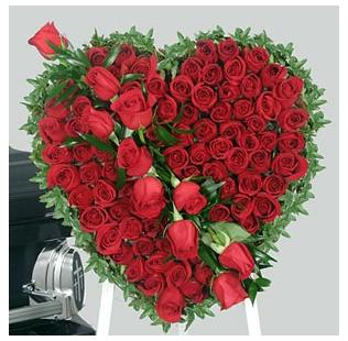 Big Rose Heart Shape Valentine Flower Arrangements Png