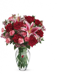 Image of valentines day arrangement with pink flowers.PNG