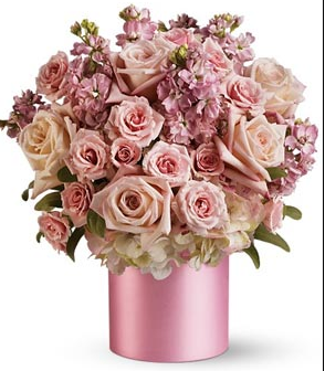 Modern valentine bouquet with light pink roses.PNG