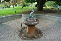 Dry fountain at Boston Public Garden.jpg
