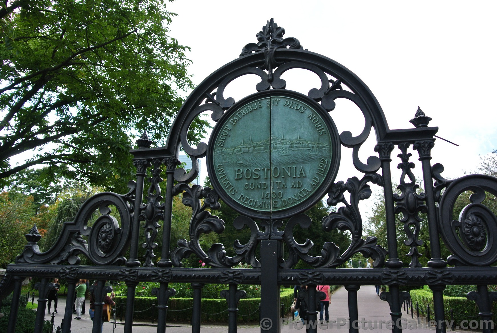 1630 Circular Emblem of Boston on Gate into Boston Public Garden.jpg