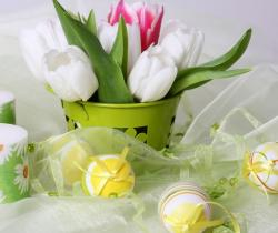 Easter flowers with tulips in white and pink with white.JPG