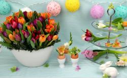 Latest Easter arrangement with tulips_Easter party display ideas.JPG