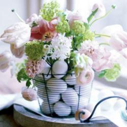 Pretty Easter flowers basket picture with chic flowrs and large white flowers in black metal basket.JPG