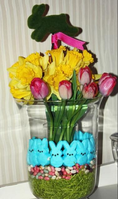Unique Easter flowers and candy center piece pictures.JPG