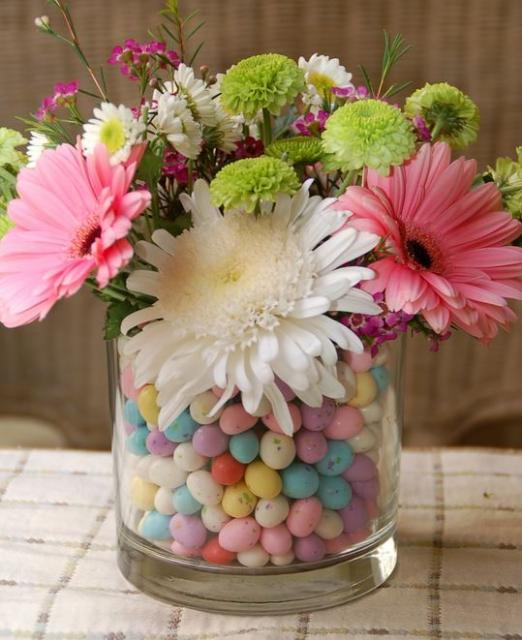 2015 Easter flowers arrangement with candy eggs_modern Easter bouquet picture.JPG