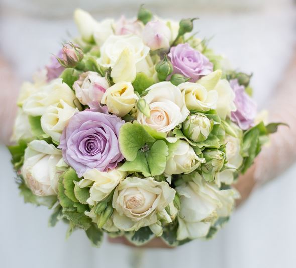 Cream white roses with purple roses wedding bouquet for Cream rose wallpaper