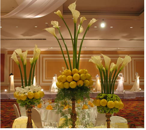 Flowers centerpieces with lemong white flowers centerpieces with lemong mightylinksfo Images