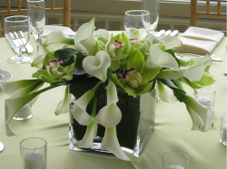 White lilies centerpiece for weddings.PNG