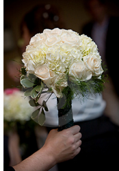 Creamy bouquet wedding.PNG