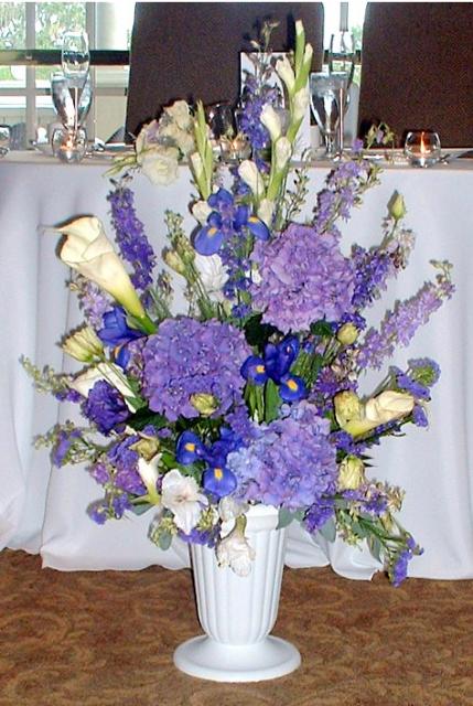 Hydrangea and calla altar arrangement pictures