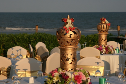 Indian wedding table arrangement setting picture.PNG