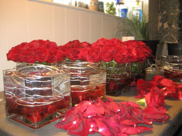 Red rose short wedding centerpieces photos hi res p hd