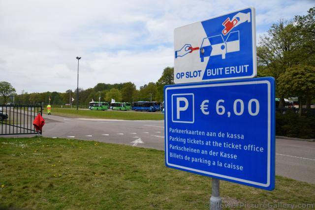 Parking Lot and Parking Cost of Keukenhof Gardens.jpg