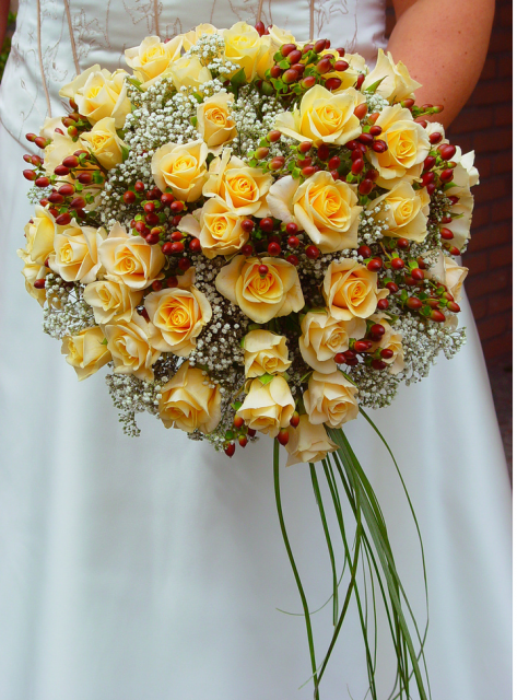 Wedding Flowers Red And Yellow : Yellow and red bridal bouquet images hi res p hd