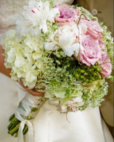 Beautiful Wedding Bouquet Photos With Pink Roses White Flowers And Green Jpg