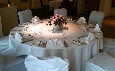 wedding table flower arrangement with simple style png