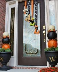 2015 Halloween front door decoration ideas photos.JPG