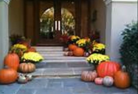 Front door Halloween decoration ideas.JPG