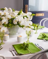 White green wedding table decoration ideas images.JPG