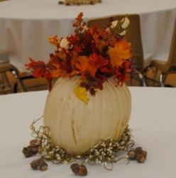 Halloween centerpiece pictures.JPG
