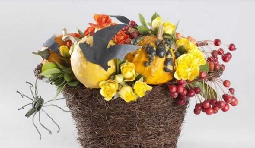 Fall flower basket picture.JPG