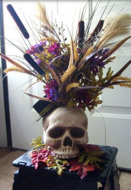 Scary halloween centerpiece ideas picture.JPG