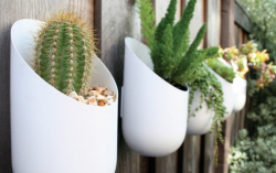 White Modern Oval Planters Made of Aluminum.PNG