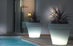 Big Outdoor Garden Pots with Built In Lighting picture.PNG