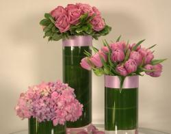Chic wedding arrangements with purple pink flowers