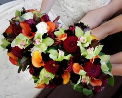 Trendy colorful wedding bouquet picture with varity of flowers