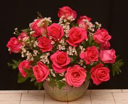 Red Pink Valentine's Day Bouquet in Silver Round Vase