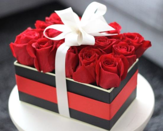 Valentines Day Rose Gift Box