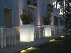 Picture of Outdoor Garden Pots with Built In Lighting By Vondom.PNG