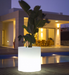 Cool outdoor planter with builin light by Vondom.PNG