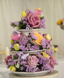 Picture of Wedding Flowers with cake stand.PNG