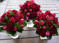 Red Rose Bouquets.PNG