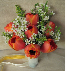 Tulip wedding flower decor ideas pictures.PNG