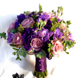 Purple wedding bouquets picture.PNG