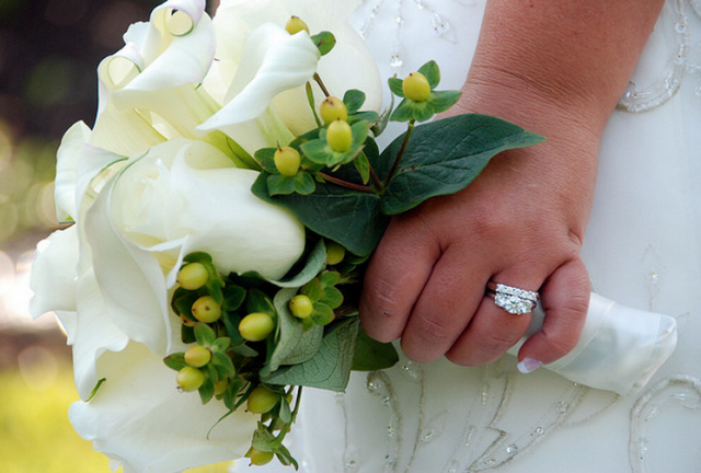 white small bridal bouquet picturespng