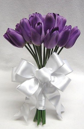 picture bridesmaid bouquet with dark purple Tulips.jpg