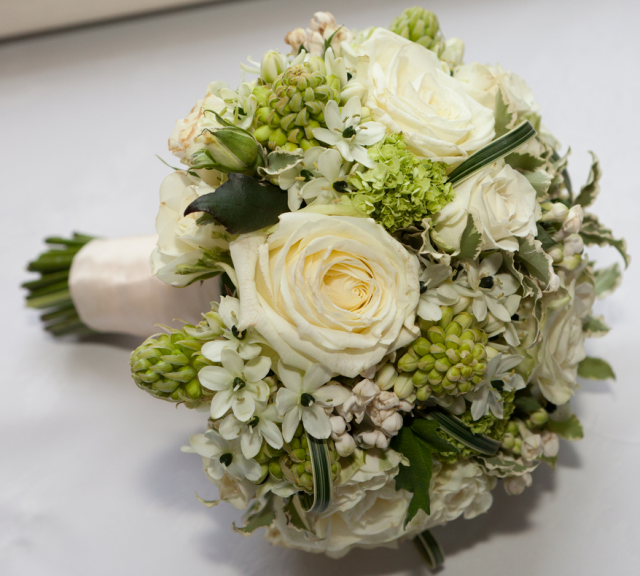 Green And White Flowers Bouquet For BridesPNG Hi Res 720p HD