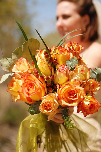 orange rose wedding bouquet photo.jpg