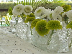 White green wedding center pieces pictures.PNG